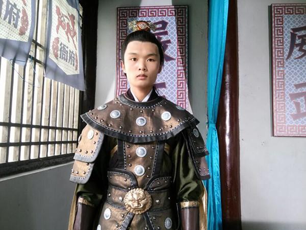 Cuộc sống vất vả đẫm nước mắt và tấm lòng hiếu thuận của nam diễn viên Trung Quốc tử vong vì ngã từ tầng 62 - Ảnh 8.