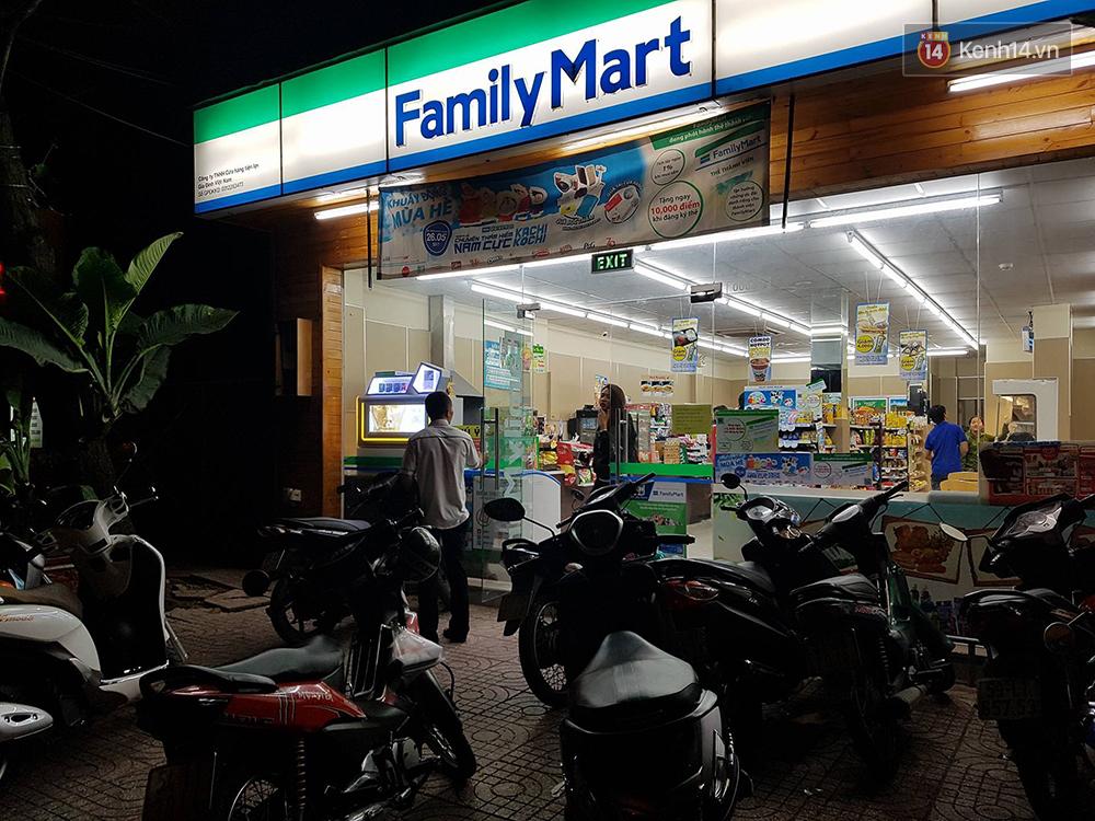 Nữ sinh viên bị trộm xe máy ở FamilyMart, đại diện cửa hàng cho biết không có trách nhiệm hỗ trợ bồi thường - Ảnh 4.