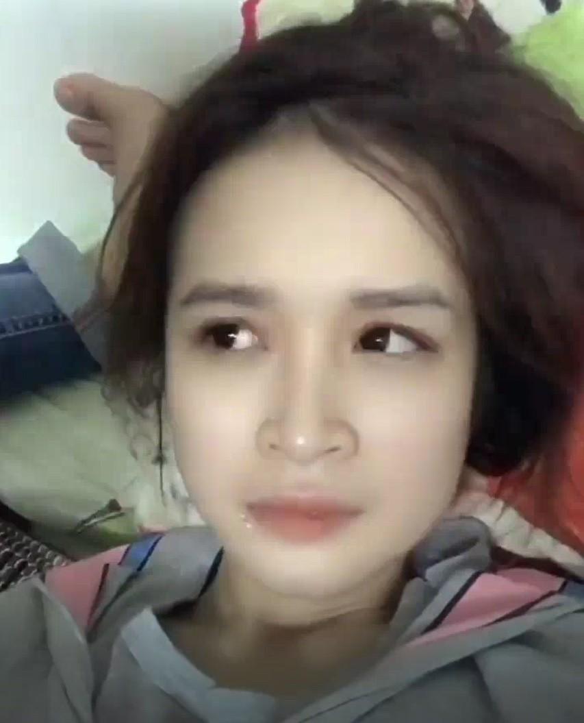 """Cô gái xinh đẹp nhờ bạn trai make up và cái kết không thể """"tai nạn"""" hơn"""