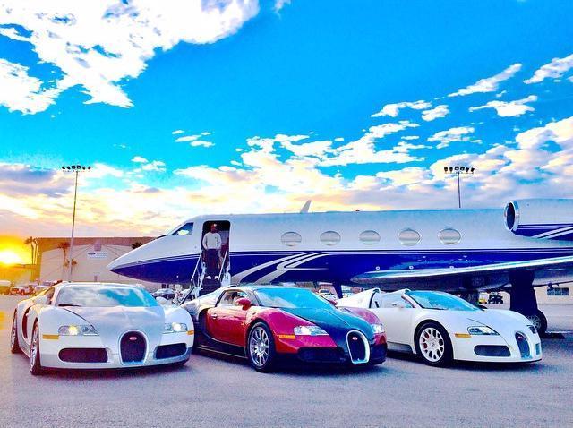Mayweather khoe 6 siêu xe Rolls-Royce màu trắng trị giá hơn 62 tỷ đồng - Ảnh 5.