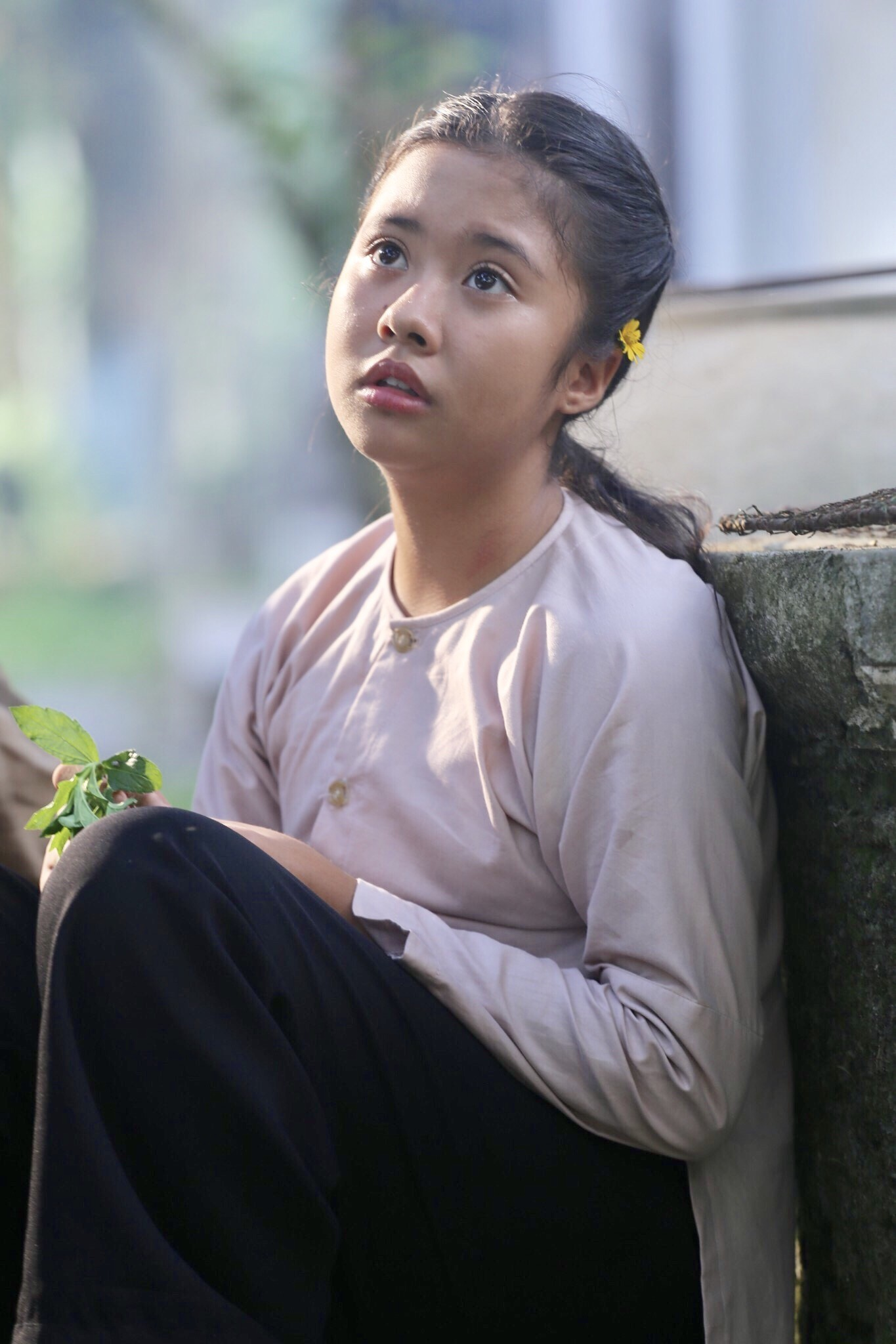 """Gặp bé Hai Thơ trong """"Mẹ chồng"""": Cô người hầu nguy hiểm nhất màn ảnh Việt - Ảnh 6."""