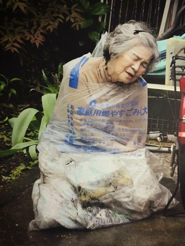 Cười té ghế với bộ ảnh hài của cụ bà 90 tuổi lầy lội nhất nước Nhật Bản - Ảnh 7.