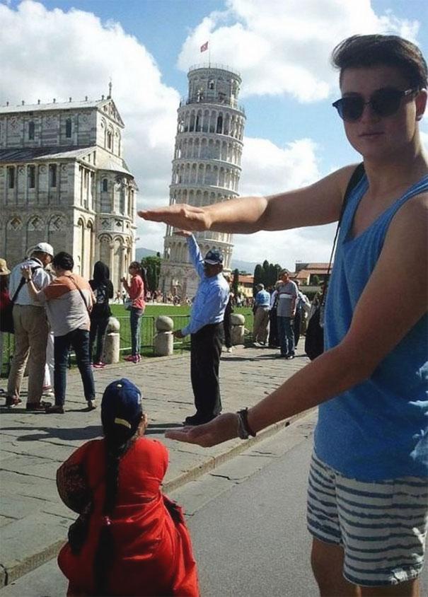 16 kiểu chụp ảnh sống ảo sáng tạo với tháp nghiêng Pisa - Ảnh 7.