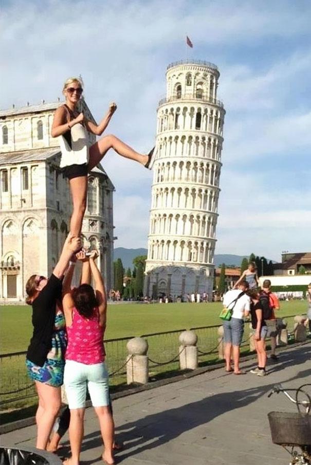 16 kiểu chụp ảnh sống ảo sáng tạo với tháp nghiêng Pisa - Ảnh 9.