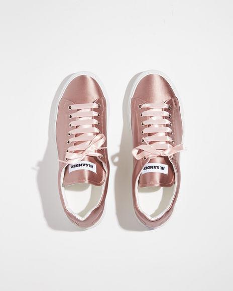 Điểm mặt 5 mẫu giày thể thao satin đẹp không kém giày mới ra mắt của Zara - Ảnh 2.