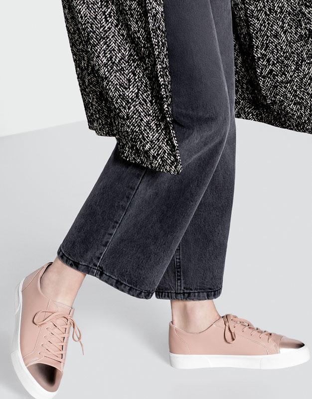 Gợi ý 5 mẫu giày ánh kim sành điệu giá rẻ dành cho các cô nàng - Ảnh 3.