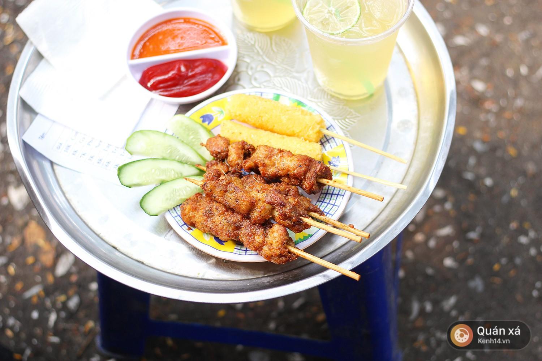 Trong vô vàn loại xiên nướng, có 1 loại rất ít nơi bán ở Hà Nội mà không phải ai cũng từng ăn - Ảnh 5.