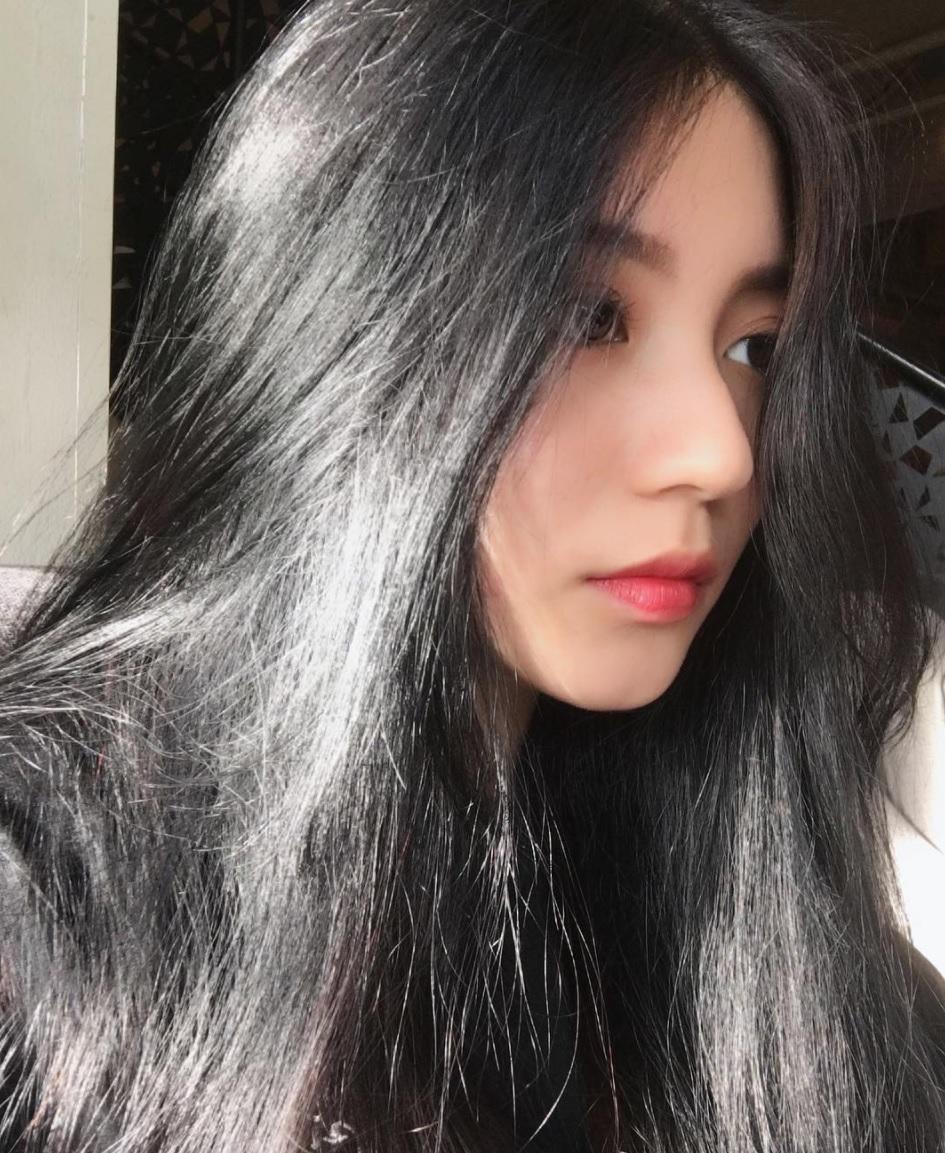 Góc nghiêng của hot girl đình đám và gái xinh trên Facebook: Ai đẹp hơn? - Ảnh 19.