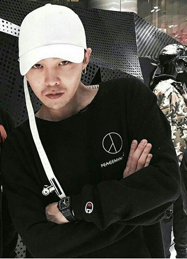 Để mặc chất như G-Dragon, bạn cứ nên mua đồ của 7 thương hiệu này! - Ảnh 26.