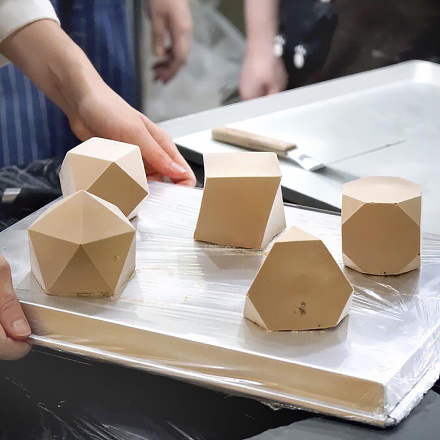 Những chiếc bánh hình học 3D đẳng cấp đã đạt tới cảnh giới đỉnh cao nghệ thuật - Ảnh 3.