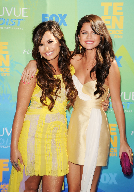Sau chiến tranh lạnh, Selena Gomez và Demi Lovato bất ngờ nối lại tình chị em thân thiết - Ảnh 3.