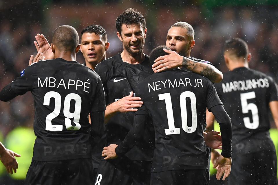 Tam tấu Cavani-Mbappe-Neymar rực sáng, PSG thắng 5 sao ở Champions League - Ảnh 11.
