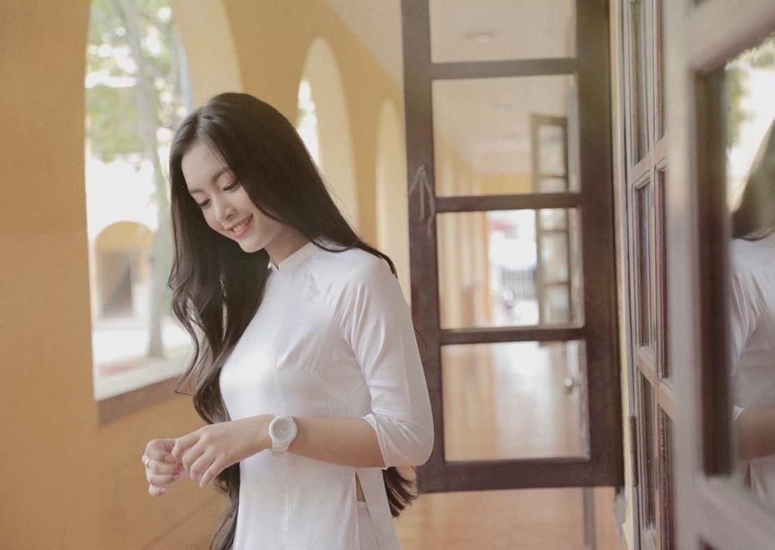 Con gái Việt vẫn xinh đẹp và dịu dàng nhất khi mặc áo dài trắng! - Ảnh 17.