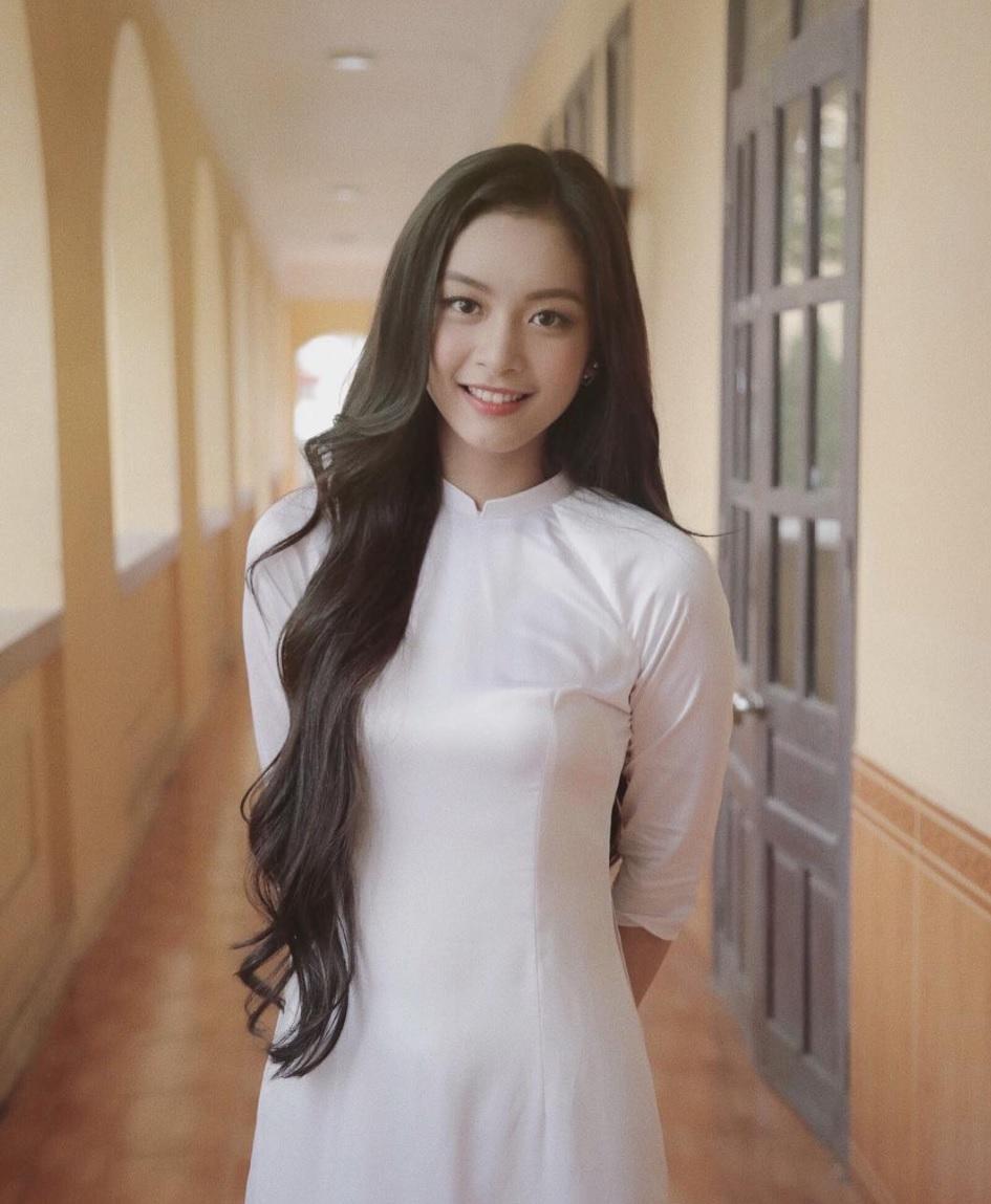 Nữ Sinh Hải Phòng Mặc áo Dài Xinh đẹp Nổi Bật