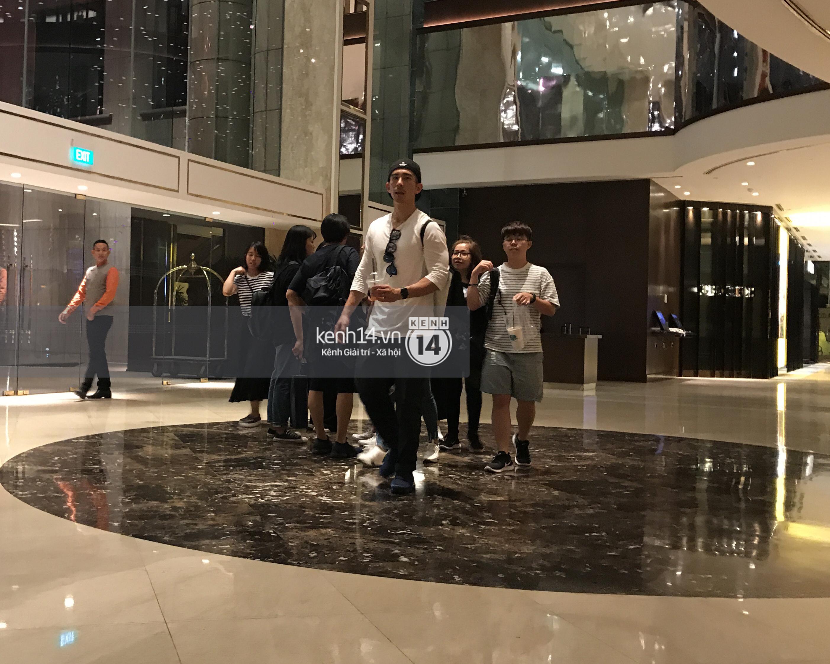 ĐỘC QUYỀN: Vợ chồng Triệu Mẫn Giả Tịnh Văn bất ngờ khi bị bắt gặp tại khách sạn Sài Gòn - Ảnh 3.