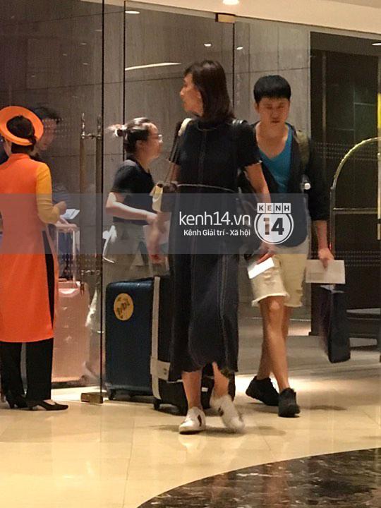 ĐỘC QUYỀN: Vợ chồng Triệu Mẫn Giả Tịnh Văn bất ngờ khi bị bắt gặp tại khách sạn Sài Gòn - Ảnh 6.