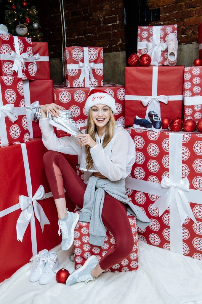 gigi-hadid-sporty-santa-photos12-1-15134