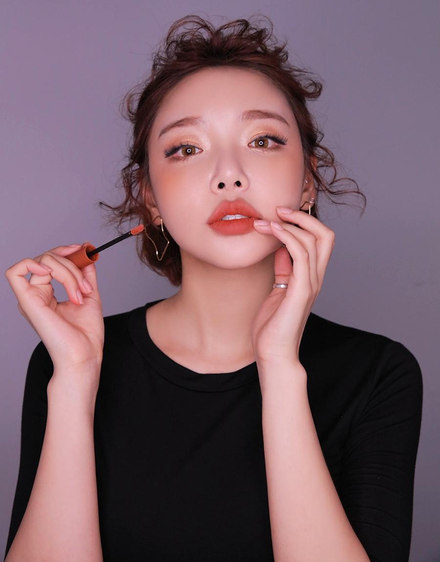 3CE vừa ra son kem lì 10 màu đẹp mê ly giá chỉ 300.000 VNĐ, con gái Việt ngay lập tức bật báo động cấp 1 - Ảnh 18.