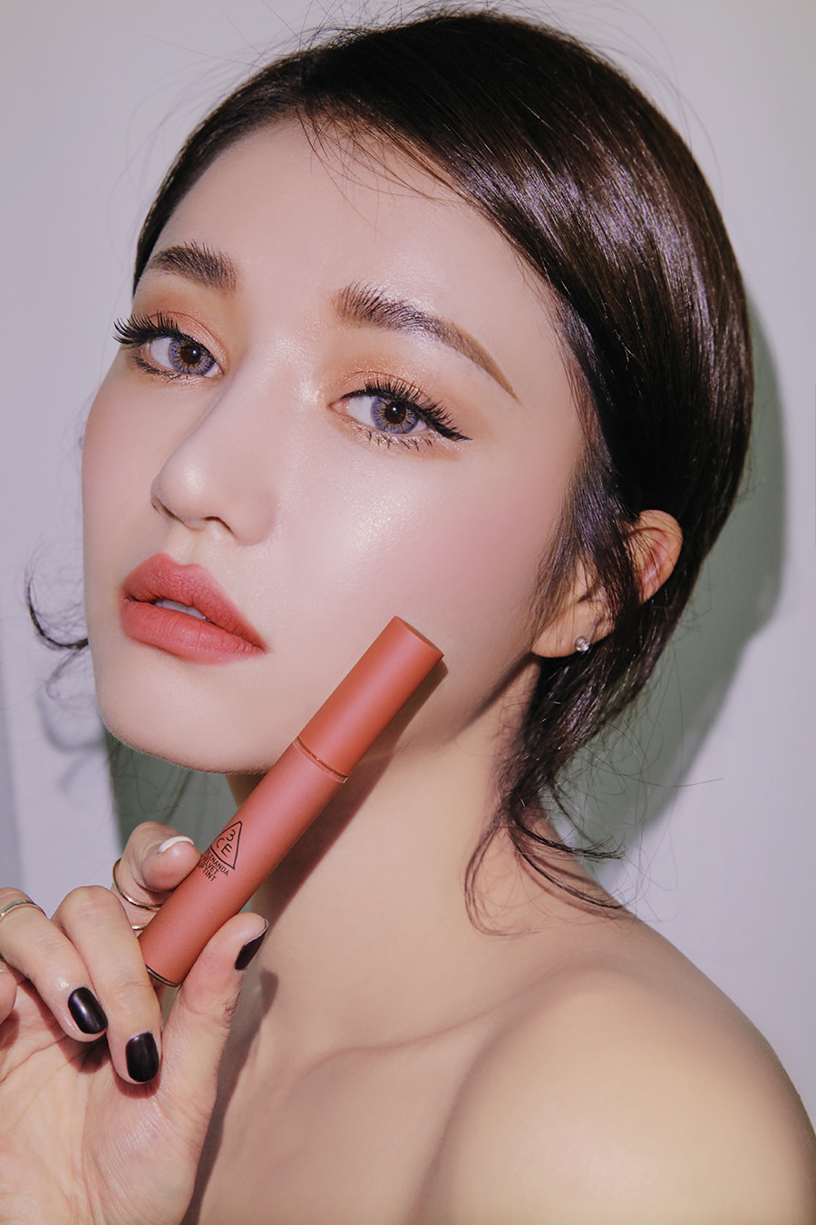 3CE vừa ra son kem lì 10 màu đẹp mê ly giá chỉ 300.000 VNĐ, con gái Việt ngay lập tức bật báo động cấp 1 - Ảnh 16.