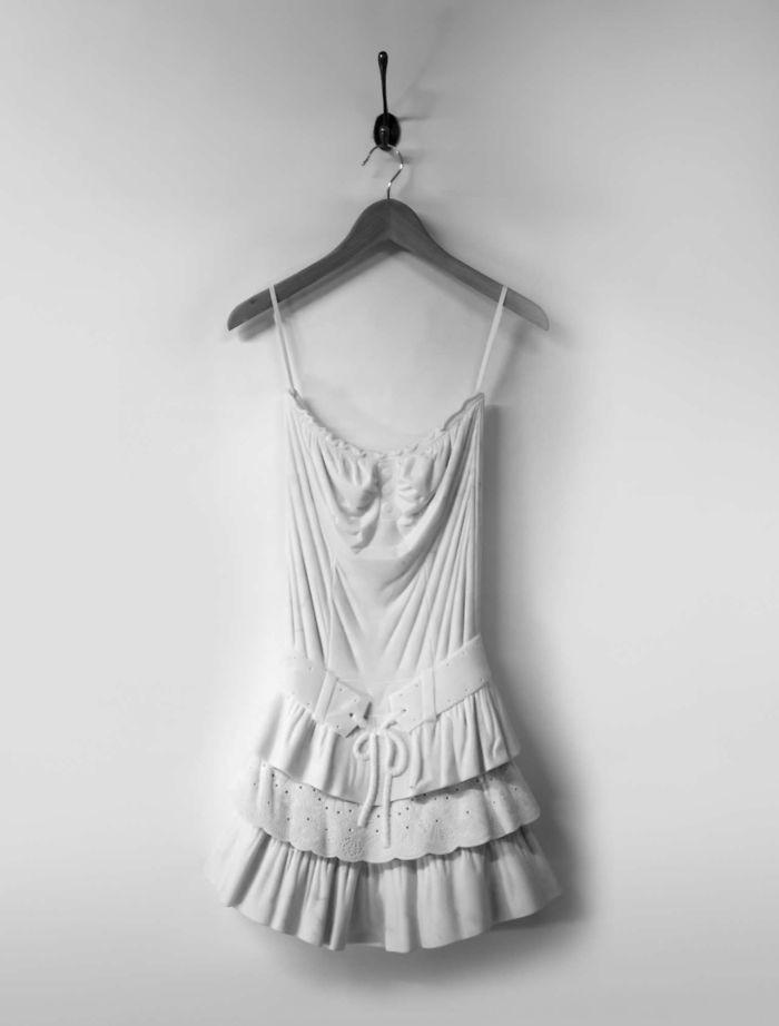 Ngắm bộ sưu tập váy duyên dáng được điêu khắc từ đá cẩm thạch - Ảnh 1.