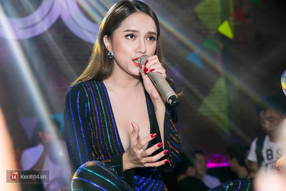Hương Giang Idol chia sẻ về vấp ngã và nhận ra sự kì thị cộng đồng LGBT chưa bao giờ biến mất - Ảnh 4.