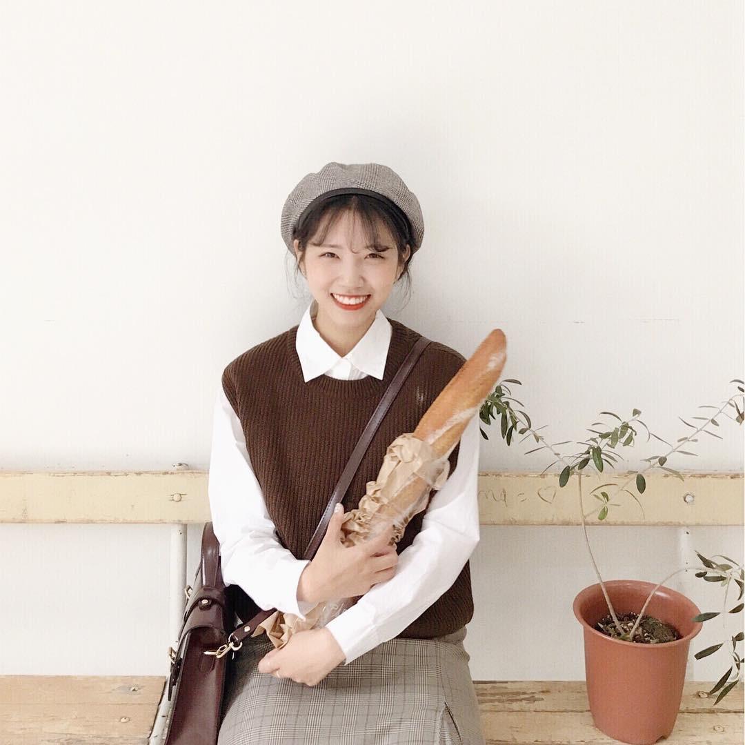 4 công thức mix đồ đơn giản nhưng cô gái Hàn nào cũng mê mệt suốt mùa Thu Đông năm nay - Ảnh 5.