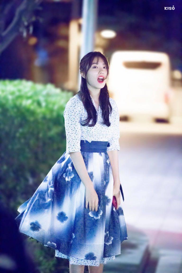 Hanbok bị xào nấu thành váy ngắn, netizen Hàn lại được dịp tranh cãi nảy lửa - Ảnh 8.
