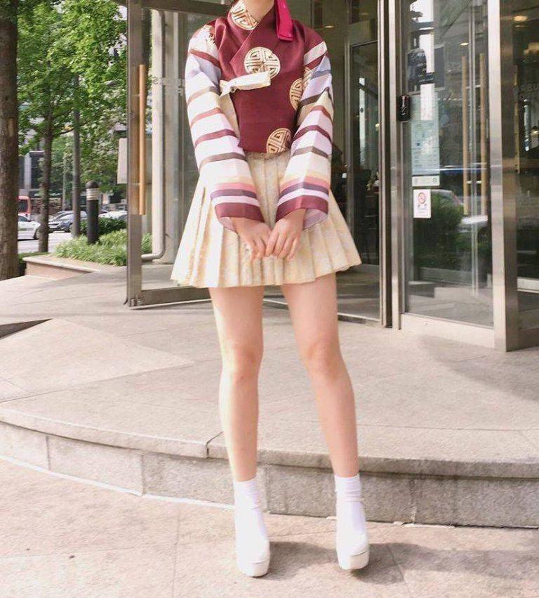 Hanbok bị xào nấu thành váy ngắn, netizen Hàn lại được dịp tranh cãi nảy lửa - Ảnh 9.