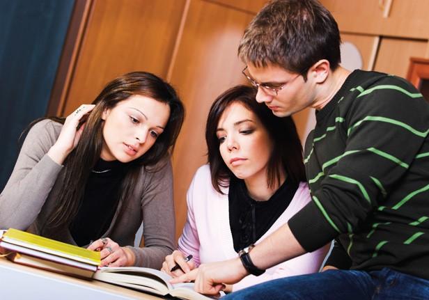 Sinh viên trở nên thụ động, nguyên nhân do đâu? - Ảnh 1.