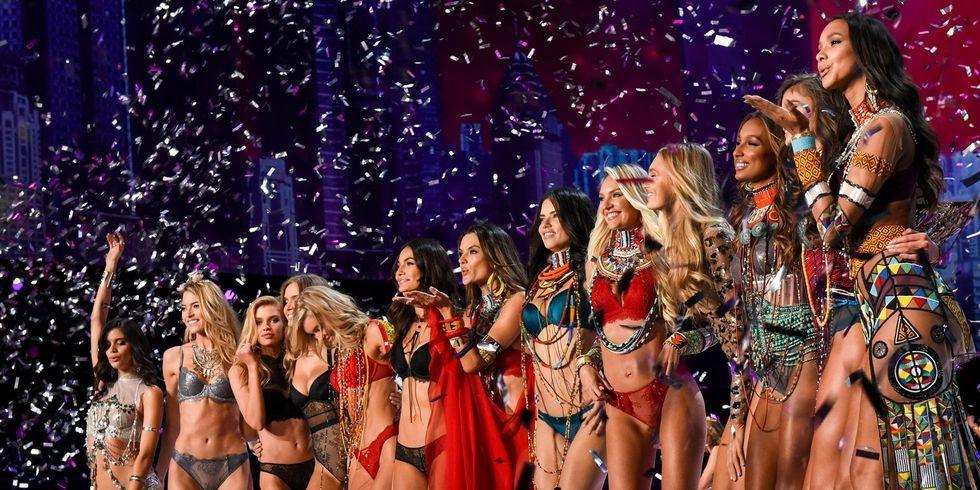 Chưa bao giờ có trong lịch sử: Tiệc After Party của Victorias Secret bất ngờ bị cảnh sát ập vào yêu cầu dừng lại vì quá ồn - Ảnh 3.