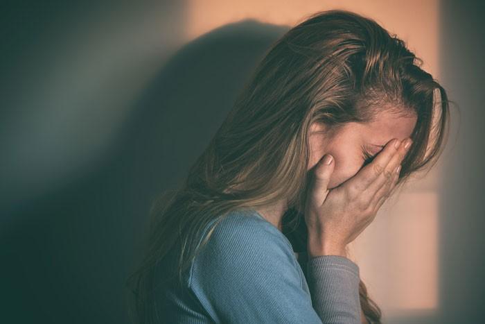 Ngày càng nhiều người trẻ mắc trầm cảm! Tại sao vậy? - Ảnh 1.