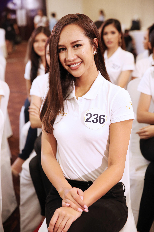 Thí sinh Hoa hậu Hoàn vũ VN khoe vẻ đẹp thuần khiết trong đồng phục trắng - Ảnh 3.