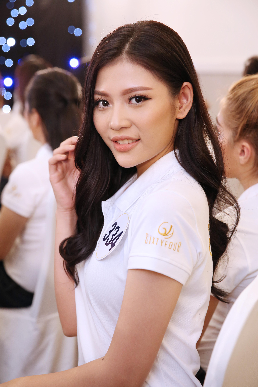 Thí sinh Hoa hậu Hoàn vũ VN khoe vẻ đẹp thuần khiết trong đồng phục trắng - Ảnh 5.