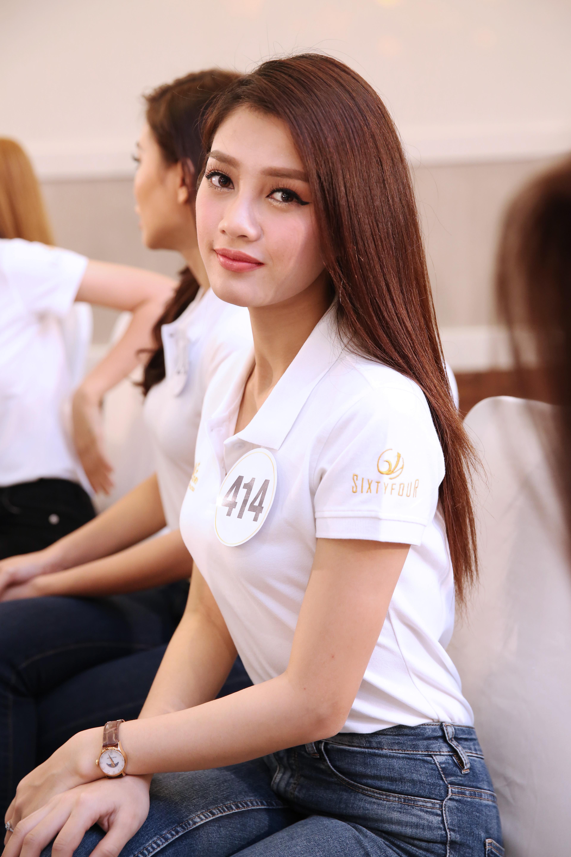 Thí sinh Hoa hậu Hoàn vũ VN khoe vẻ đẹp thuần khiết trong đồng phục trắng - Ảnh 7.