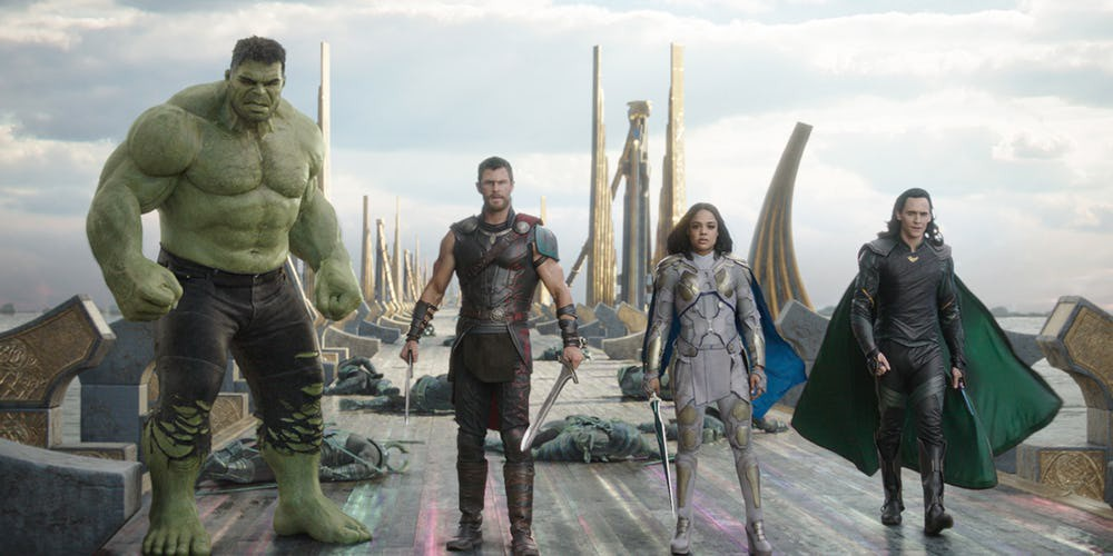 Thor: Ragnarok vượt mốc 500 triệu USD doanh thu trên toàn cầu - Ảnh 1.