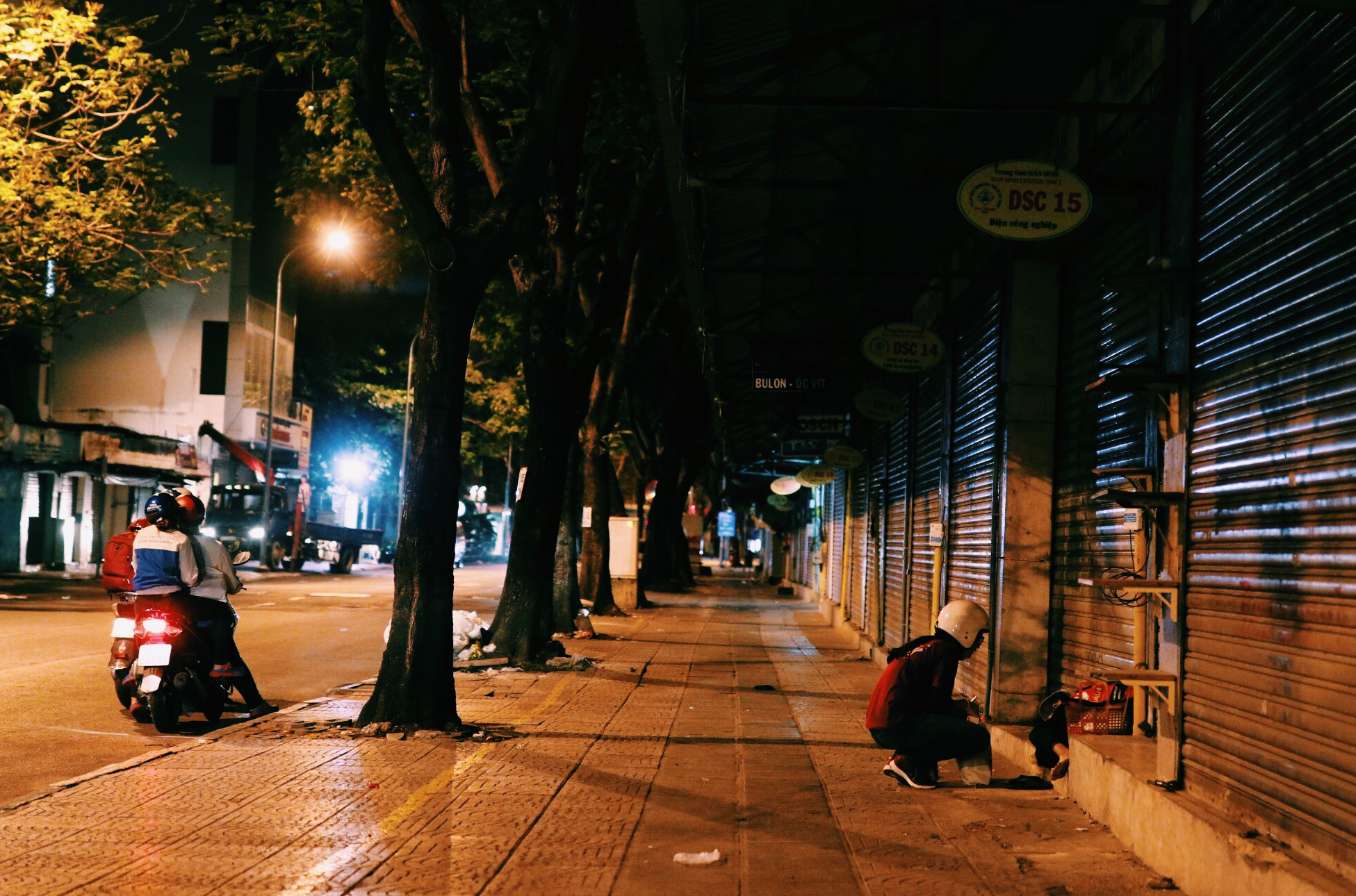"""Những """"sứ giả"""" xuyên đêm mang yêu thương đến cho mọi người - Ảnh 8."""