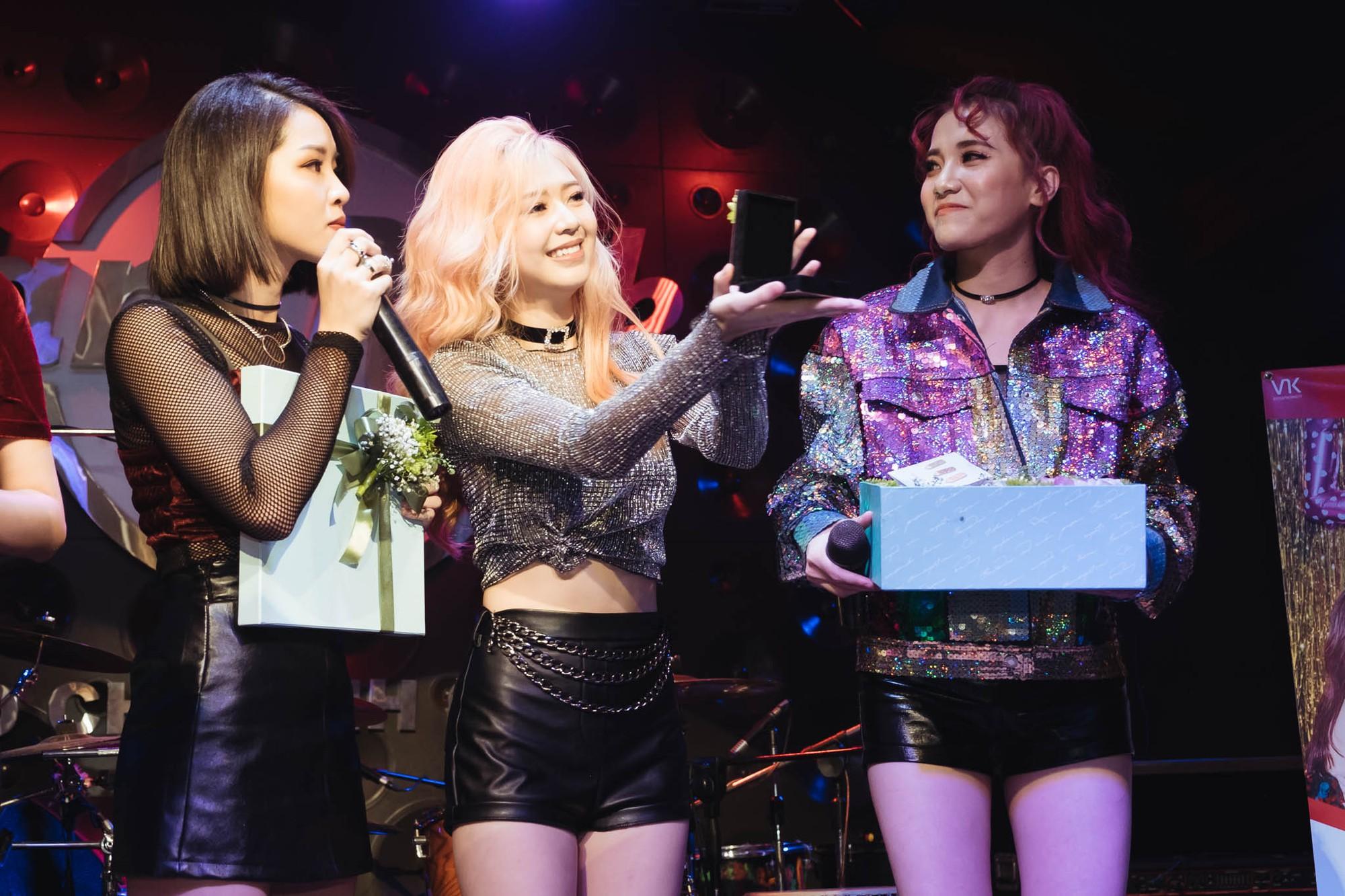 Từ bỏ hình ảnh dễ thương, LIME hóa thân thành những cô nàng tiệc tùng sexy trong MV mới - Ảnh 2.