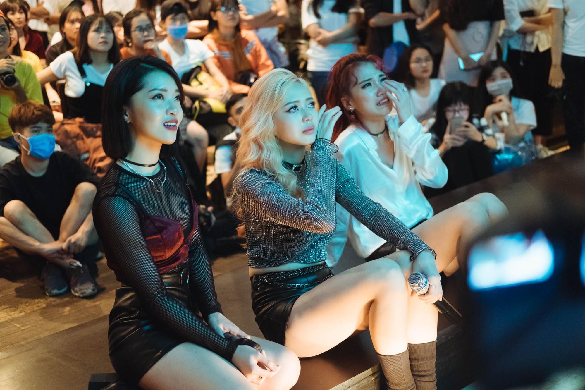 Từ bỏ hình ảnh dễ thương, LIME hóa thân thành những cô nàng tiệc tùng sexy trong MV mới - Ảnh 7.