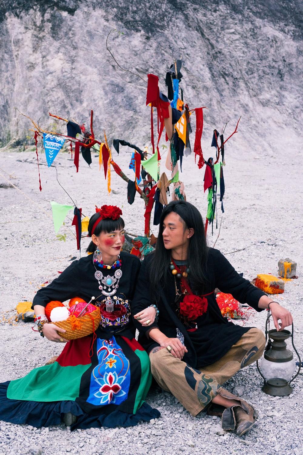 Bộ ảnh cưới được chụp ở ngọn đồi tuyết trắng đẹp hơn cả trong MV Bảo Anh - Ảnh 8.