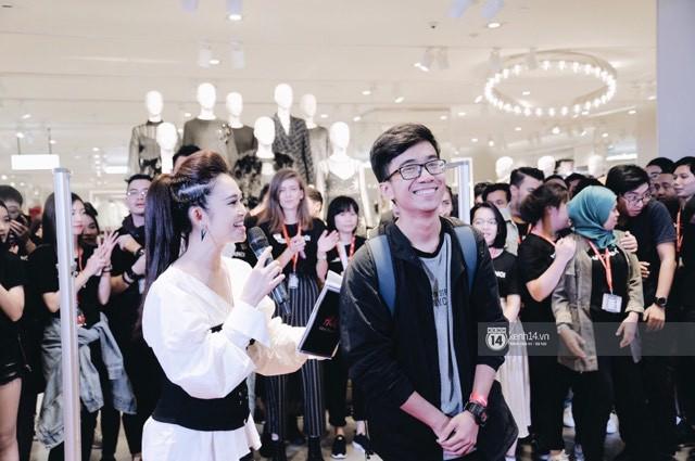 Ngồi lì trước store H&M Hà Nội từ 10h tối hôm trước, cô gái này vẫn lỡ mất tiền triệu vào tay người khác - Ảnh 9.