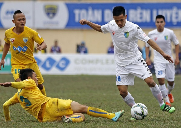 Cầu thủ Thanh Hóa bức xúc vì bị trọng tài từ chối bàn thắng - Ảnh 4.