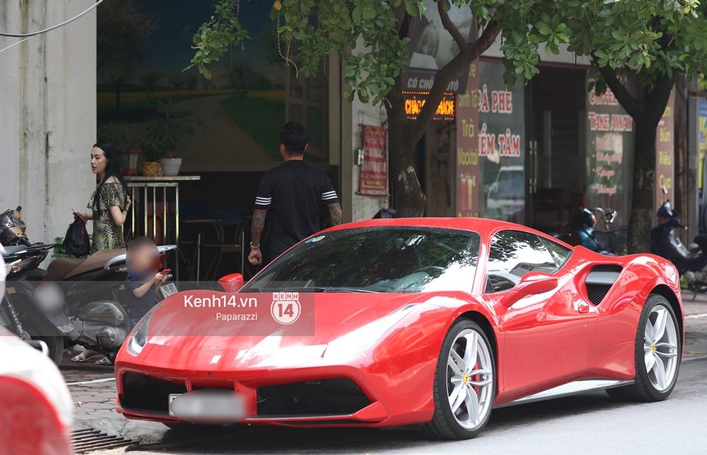 Tuấn Hưng chở vợ bằng xế khủng Ferrari 16 tỷ mới tậu nổi bật trên phố - Ảnh 8.