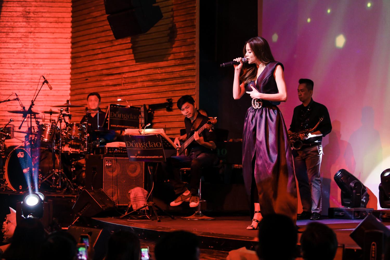 Hồ Ngọc Hà - Giang Hồng Ngọc - Bùi Anh Tuấn khiến khán giả nổi da gà khi lần đầu tiên hoà giọng cùng nhau - Ảnh 2.