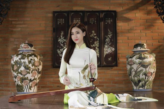 Trước thềm Miss World, Mỹ Linh quyết tâm mang điện về cho người dân bản Cu Vai bất chấp mưa bão - Ảnh 5.
