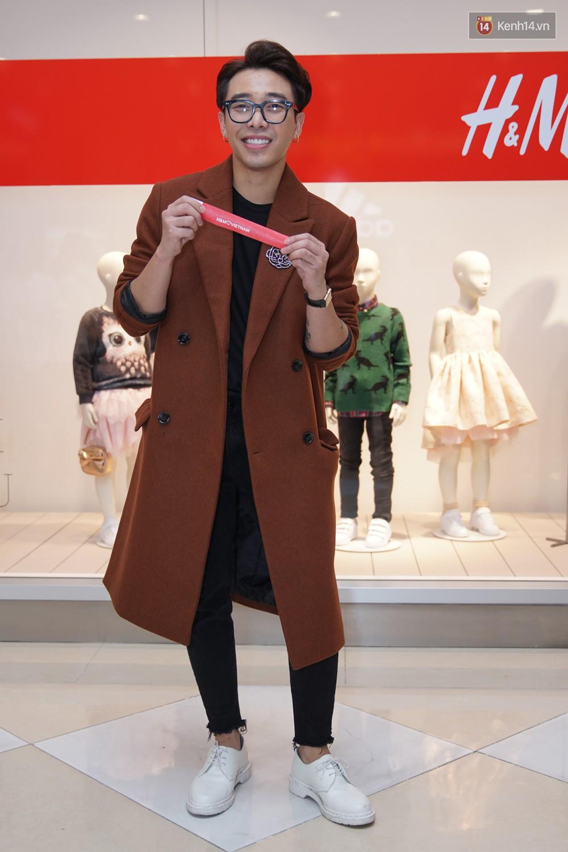 3 gia đình hot nhất mạng xã hội cùng đến mở hàng cho cửa hàng H&M đầu tiên tại Hà Nội - Ảnh 4.