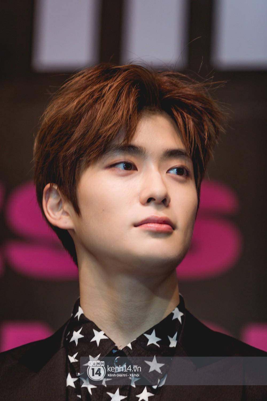 Mỹ nam Taeyong tiết lộ muốn ở lại Việt Nam, NCT 127 đồng loạt tỏ tình Anh yêu em với fan tại họp báo ở Hà Nội - Ảnh 20.