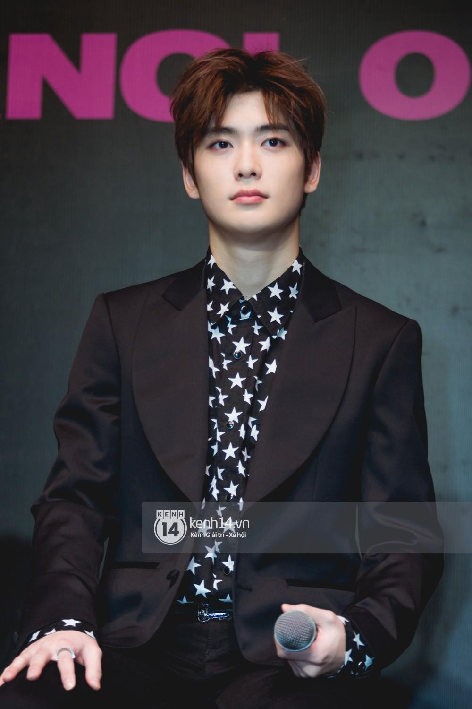 Mỹ nam Taeyong tiết lộ muốn ở lại Việt Nam, NCT 127 đồng loạt tỏ tình Anh yêu em với fan tại họp báo ở Hà Nội - Ảnh 10.
