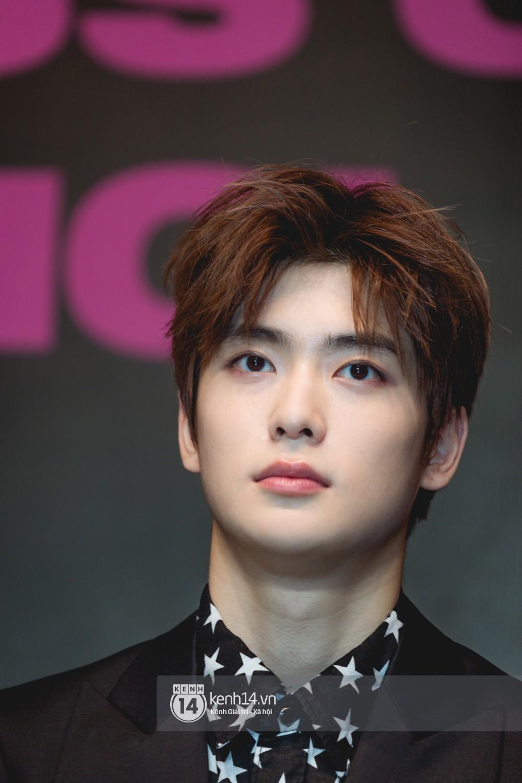 Mỹ nam Taeyong tiết lộ muốn ở lại Việt Nam, NCT 127 đồng loạt tỏ tình Anh yêu em với fan tại họp báo ở Hà Nội - Ảnh 11.