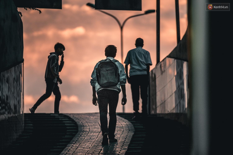 Chùm ảnh: Một nhịp sống Hà Nội thật khác ở phố đi bộ 12 cửa dưới lòng đất trong 10 năm qua - Ảnh 2.