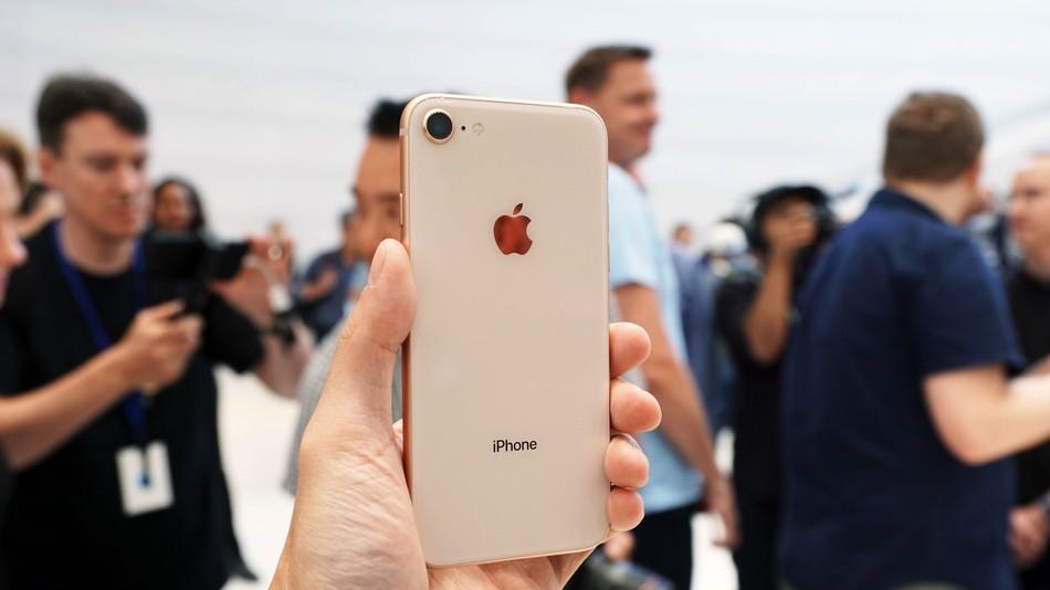 Nếu bạn đang sử dụng iPhone 7 thì đừng nâng cấp lên iPhone 8 làm gì, đây là lí do tại sao - Ảnh 3.